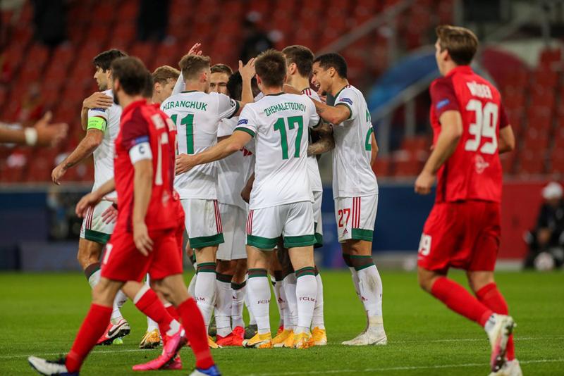 Фотографии с матча Зальцбург - Локомотив