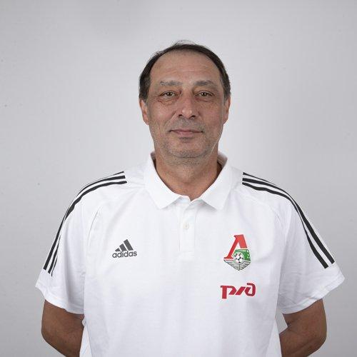 Заур Хапов
